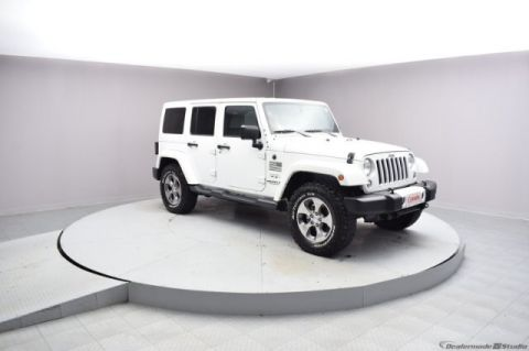 Pre-Owned 2016 Jeep Wrangler Unlimited Sahara 4WD SUV