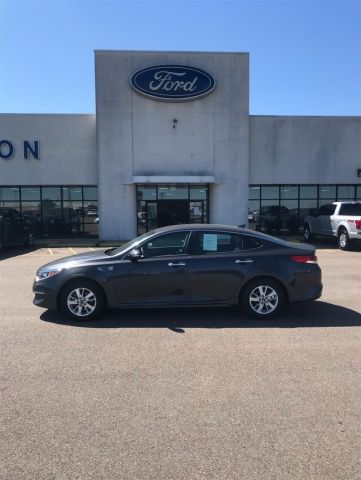 Pre-Owned 2018 Kia Optima LX FWD Sedan